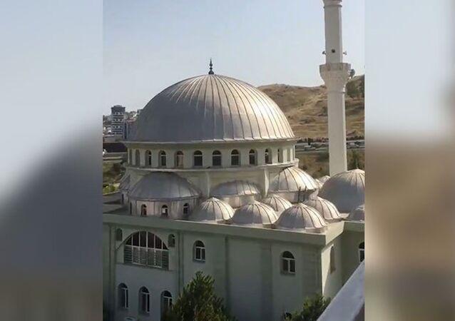 İzmir'de cami hoparlörlerinden müzik yayını