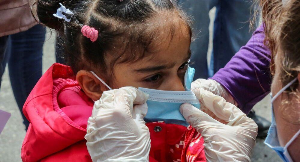 Mülteci - çocuk - koronavirüs - maske - Yunanistan