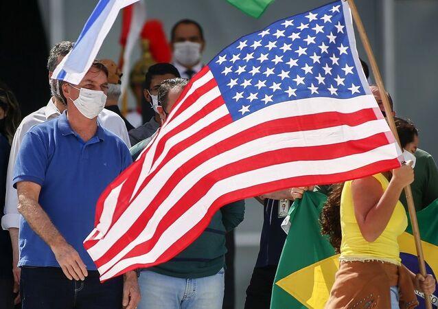 Brezilya Devlet Başkanı Jair Bolsonaro - ABD bayrağı
