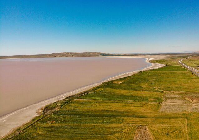 Pembe Tuz Gölü