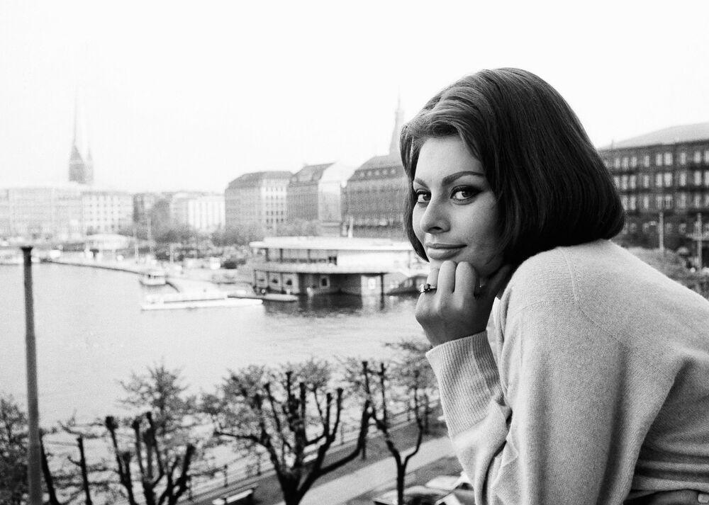 Dünyaca ünlü İtalyan sinema oyuncusu Sophia Loren