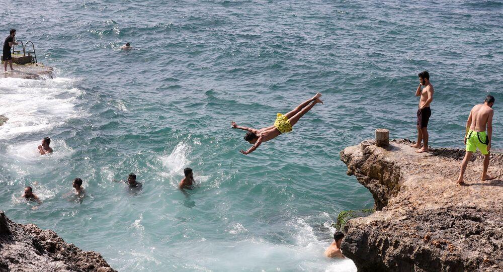 Lübnan - Beyrut - deniz - yüzmek
