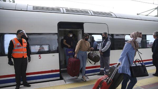 Hızlı tren - YHT seferleri – maske – yolcu - koronavirüs - Sputnik Türkiye