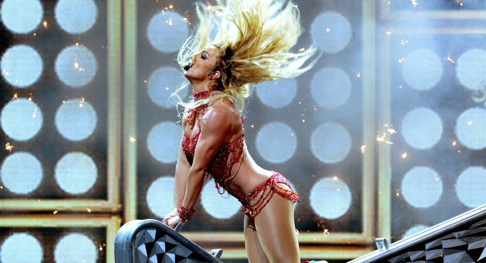1990'lı yıllarda dünyanın en popüler pop şarkıcıları arasında yer alan  Britney Spears