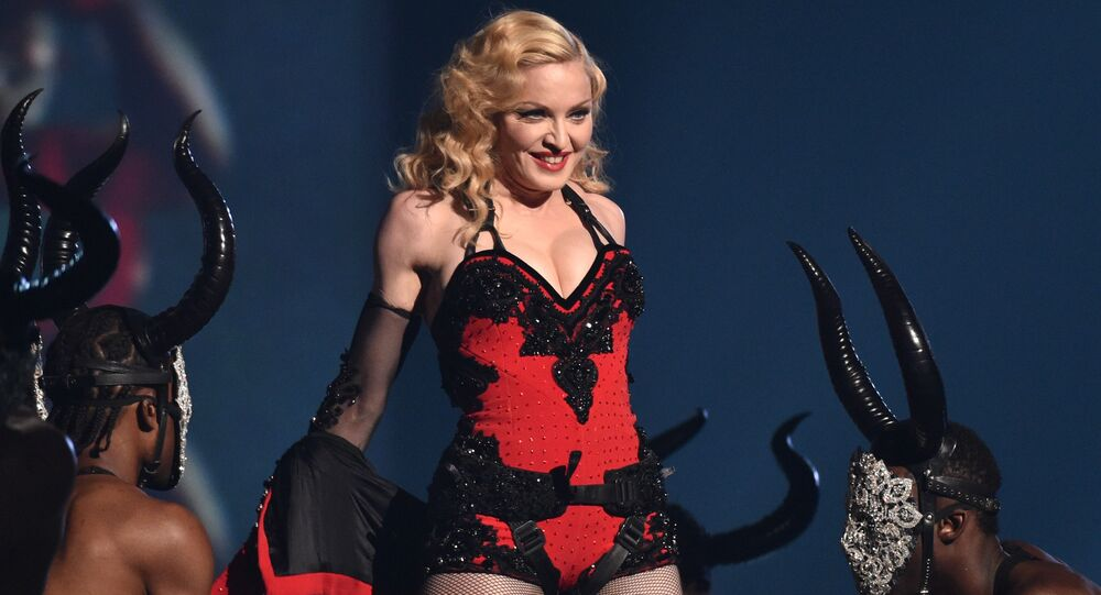 Dünyaca ünlü şarkıcı Madonna