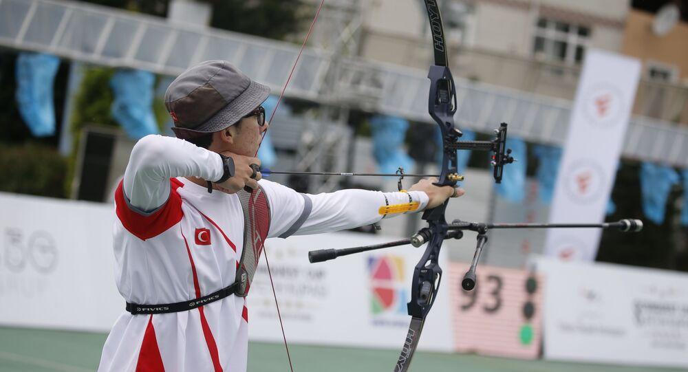 Mete Gazoz, Alper Aytaçoğlu'na ait olan 70 metre Türkiye rekorunu 342 puanla kırarak tarihe geçti.