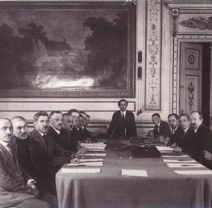 Rusya'nın İstanbul Başkonsolosluğu, Moskova ve Kars anlaşmalarının imzalanmasına ilişkin belgeleri yayınladı