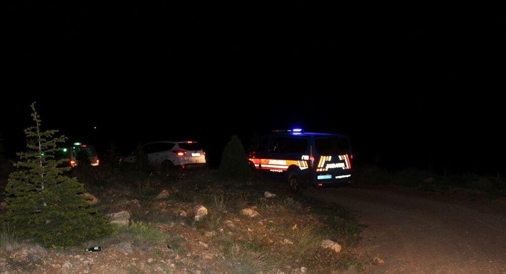 Konya'nın Yunak ilçesinde toprağa gömülü çocuk cesedi bulundu.