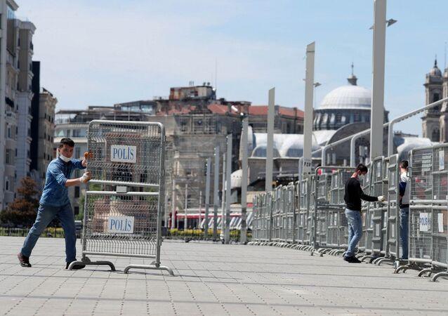 Yedinci yıl dönümünde Gezi Parkı polis bariyerleriyle kapatıldı