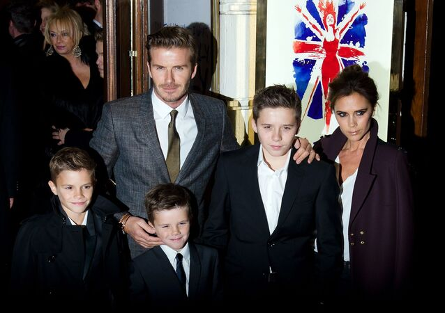 David-Victoria Beckham, (soldan sağa) Romeo-Cruz-Brooklyn Beckham