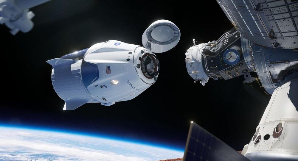 SpaceX'in Falcon 9 roketi ile birlikteuzaya fırlattığı NASA'nınCrew Dragonuzay kapsülü, Uluslararası Uzay İstasyonu'na bağlandı