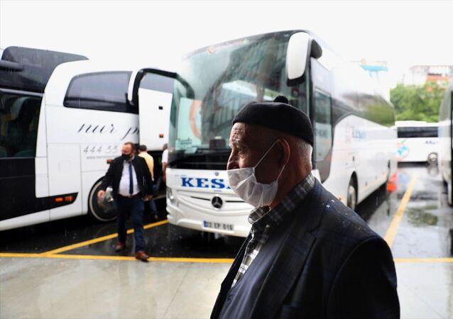 Esenler- 15 Temmuz Şehitler Otogarı - koronavirüs - maske - İstanbul - otobüs