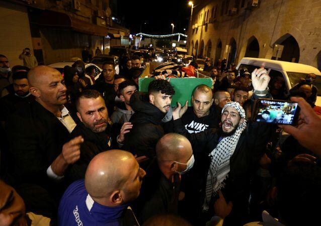 Kudüs'te İsrail polisinin öldürdüğü otistik İyad'ın cenazesini kaldıran Filistinliler, 31 Mayıs 2020
