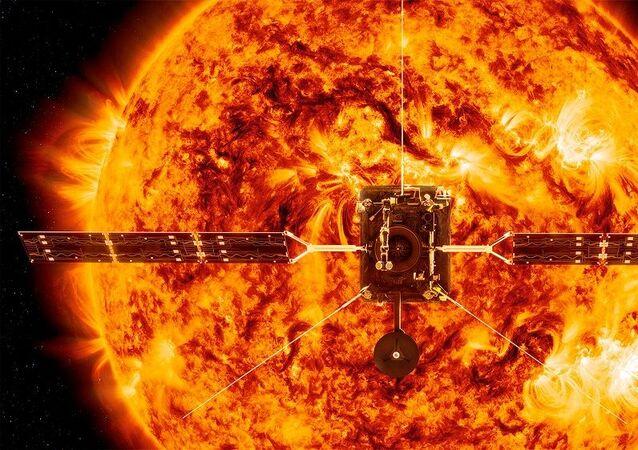 Güneşin önündeki Solar Orbiter uydusu