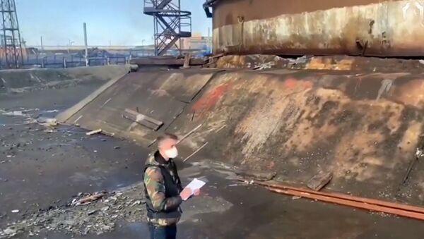 Norilsk'te 20 bin ton dizel yakıtın nehre akması - Sputnik Türkiye