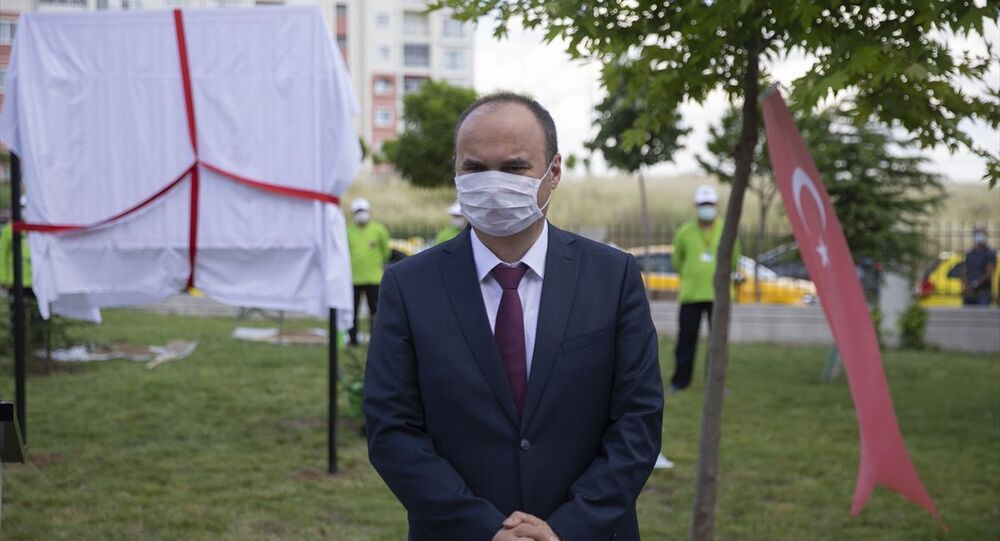 Edirne Sultan 1. Murat Devlet Hastanesi bahçesinde, sağlık çalışanları adına Sağlık Kahramanları Hatıra Ormanı oluşturuldu. Edirne Valisi Ekrem Canalp, düzenlenen törende konuşma yaptı.