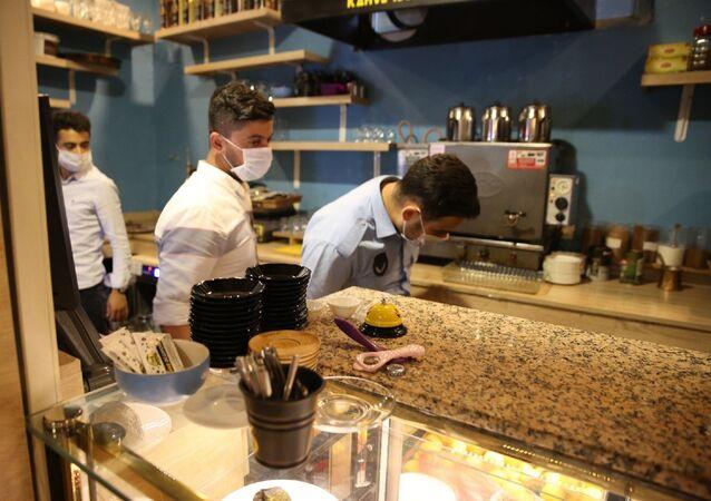 kafe - restoran - maske