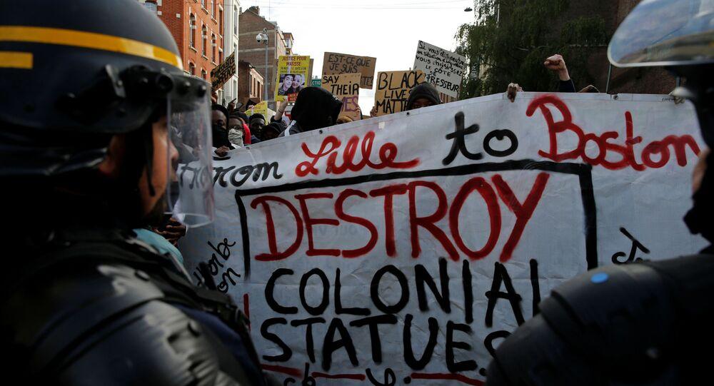 Fransa'nın Strazburg kentinde, ABD'de polis şiddeti sonucu hayatını kaybeden siyahi George Floyd için gösteri düzenlendi.