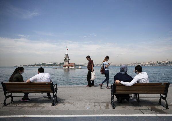 10 Nisan'dan bu yana kısıtlama olmayan ilk hafta sonu: Vatandaşlar balık tuttu, alışveriş yaptı - Sputnik Türkiye