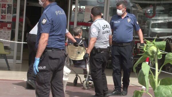 Koronavirüs testi yaptırmamak için hastaneden kaçan kişiyi doktor yakaladı - Denizli - Sputnik Türkiye