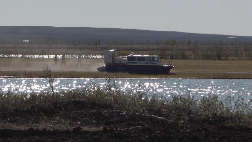 Norilsk'te nehre akan yakıt Pyasino buzul gölüne sızdı