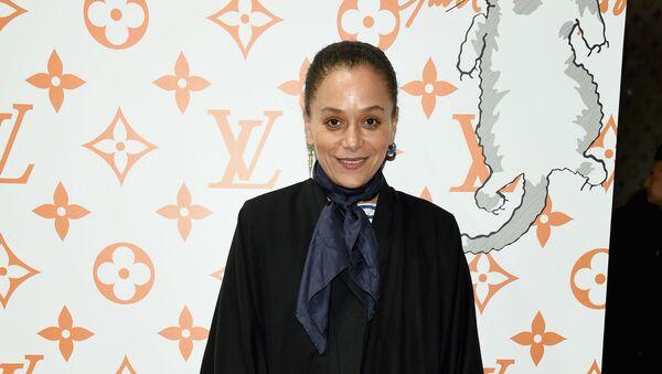 Samira Nasr, ünlü moda dergisi Harper's Bazaar'ın 153 yıllık tarihindeki ilk siyah genel yayın yönetmeni oldu. - Sputnik Türkiye