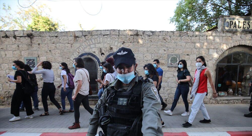 İsrail polisi, Doğu Kudüs'te otizmli İyad Hallak'ın öldürülmesine tepki amacıyla düzenlenen gösteriye müdahale ederek 3 Filistinli kadını gözaltına aldı.