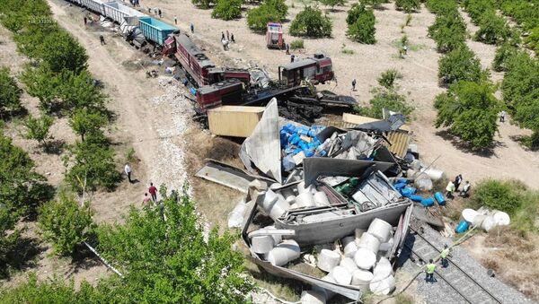 Malatya'da yük trenleri çarpıştı - Sputnik Türkiye