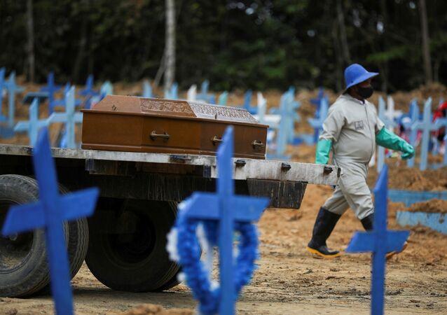 Mezarcı - Brezilya - koronavirüs - mezar