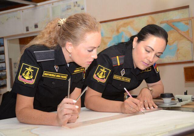 St. Petersburg'daki Askeri Deniz Filosu Eğitim Merkezi'ndeki eğitim sürecinden bir kare