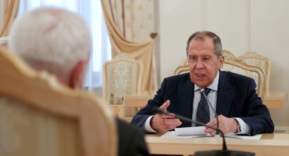 İran Dışişleri Bakanı Muhammed Cevad Zarif'le Moskova'da bir araya gelen Sergey Lavrov