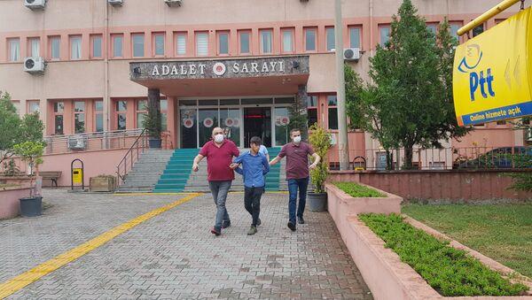 Adliyeden kaçan zanlıda virüs tespit edildi, hakim, savcı ve polisler karantinaya alındı - Sputnik Türkiye