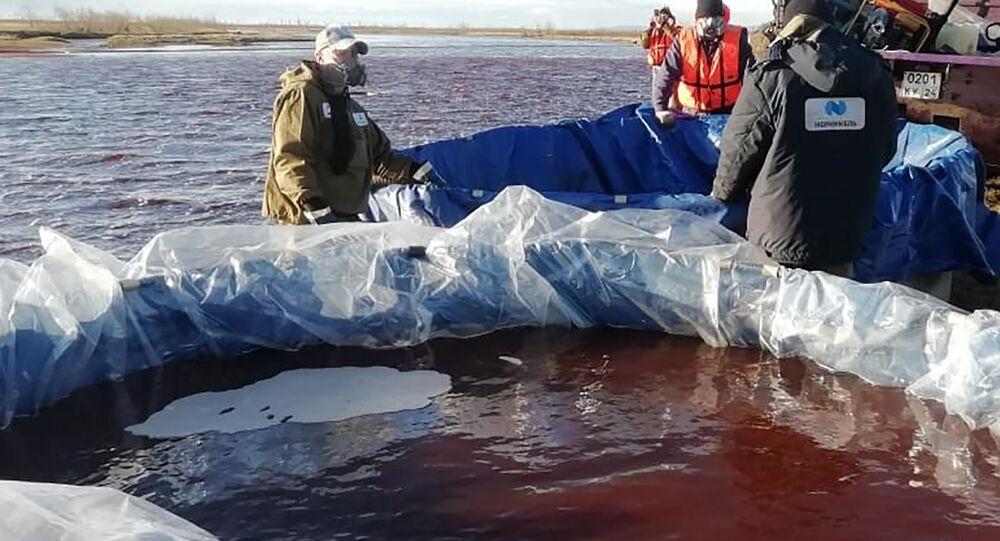 Rusya'nın Sibirya bölgesinin kuzeyindeki Norilsk'te bir termik santralde dizel tankından sızıntı