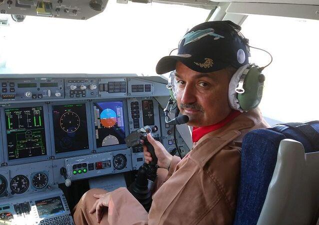 Bakan Pakdemirli Türkiye'ye gelen Rus yangın söndürme uçağını test etti