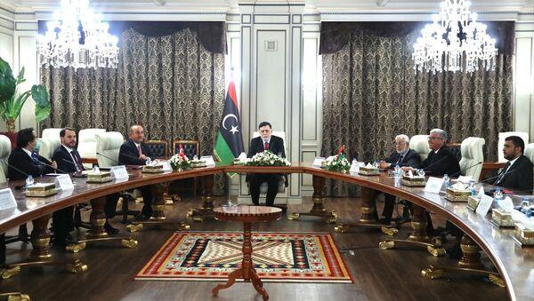 Bakan Çavuşoğlu, Türk heyetinin Libya ziyaretini değerlendirdi - Sputnik Türkiye
