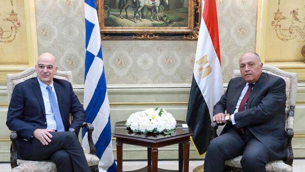 Yunanistan Dışişleri Bakanı Nikos Dendias ile Mısırlı mevkidaşı Semih Şükrü - Sputnik Türkiye