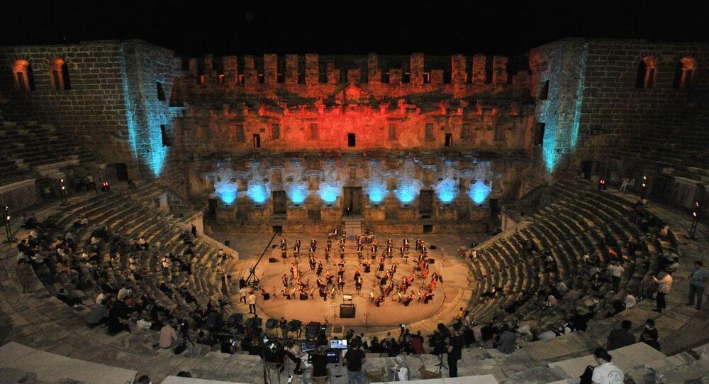 Aspendos Antik Tiyatrosu'nda gerçekleştirilen 'Yabancı Misyon Özel Konseri