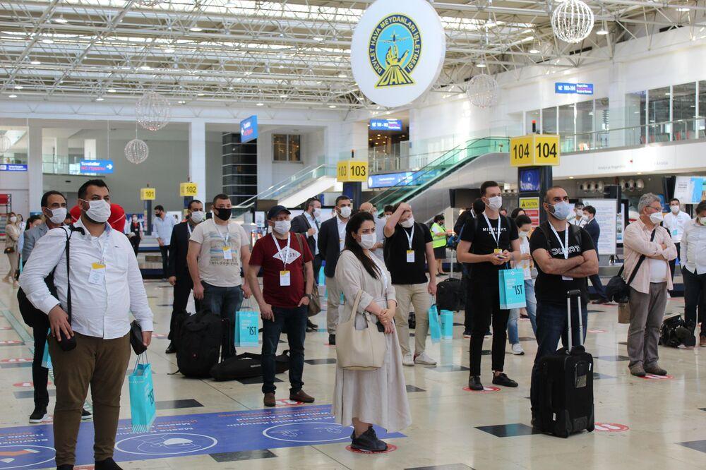 Antalya havalimanın'da program katılımcıları.