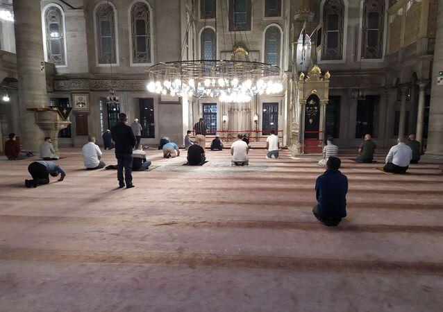 Namaz – cami - cemaatle namaz kılmak – koronavirüs