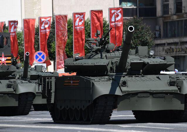 İkinci Dünya Savaşı'nda Sovyet güçlerinin Nazi ordusu karşısında elde ettiği zaferin 75. yıl kutlamaları.