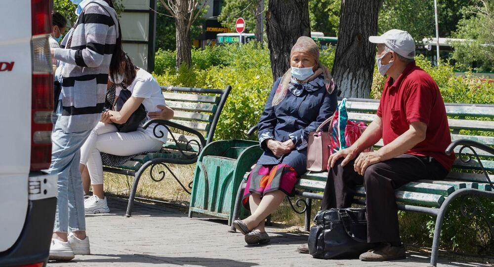 Kazakistan'ın başkenti Nur Sultan yakınlarında iki kent koronavirüsün yayılmasını önlemek amacıyla karantinaya alındı.