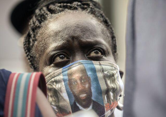 ABD'de koşu yaparken bir baba ile oğlu tarafından öldürülen siyah Ahmaud Arbery'nin teyzesi Kim Arbery