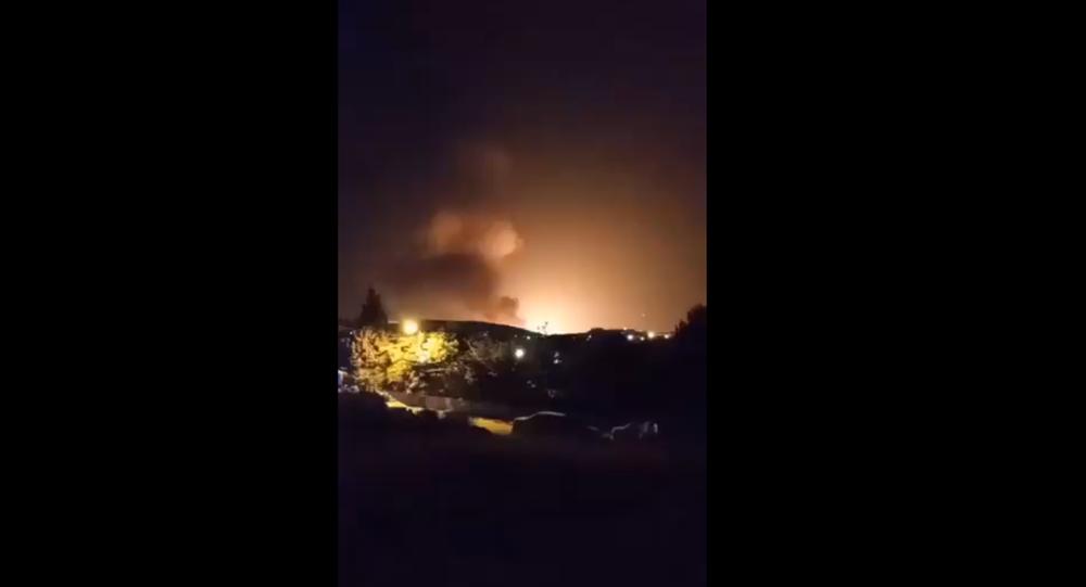 İran'ın başkenti Tahran'ın doğusunda akşam saatlerinde büyük bir patlama meydana geldi.