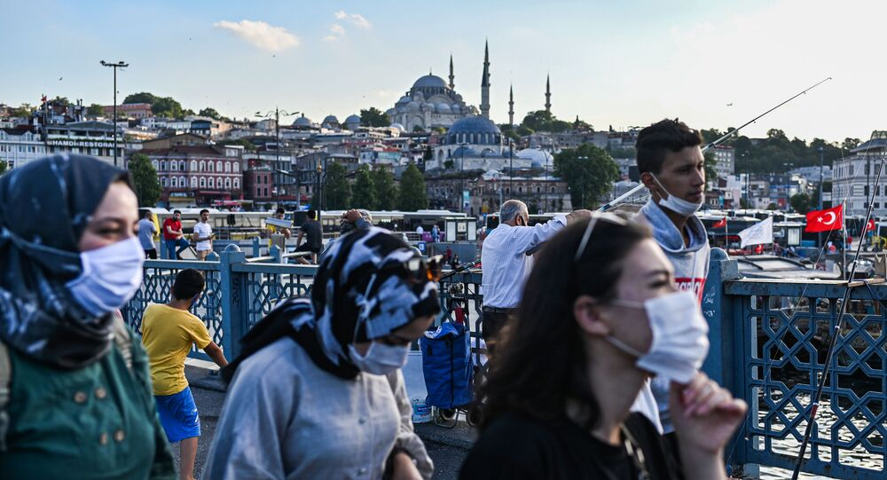 maske - Süleymaniye Camii - Yeni Cami-  İstanbul - koronavirüs
