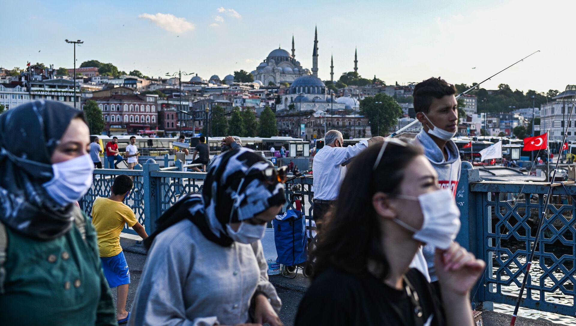 maske - Süleymaniye Camii - Yeni Cami-  İstanbul - koronavirüs - Sputnik Türkiye, 1920, 23.02.2021
