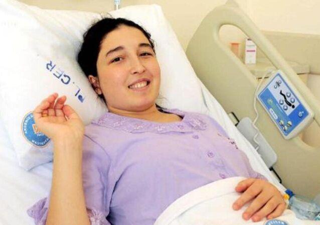 Dünyanın ilk kadavradan rahim nakili yapılan Derya Sert, anne oldu