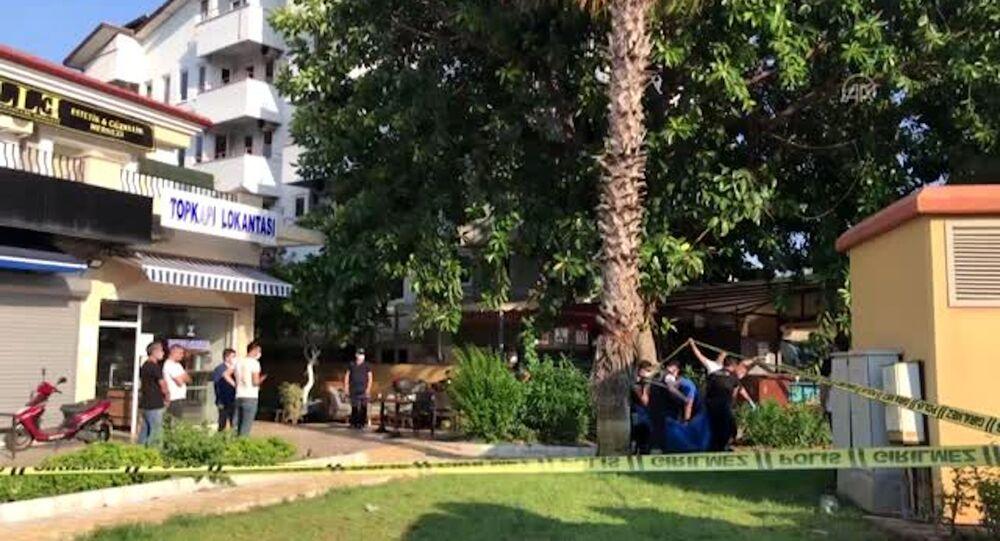 Muğla'da restoranda yemek yerken üzerine güneş enerjisinin su tankı düşen genç öldü