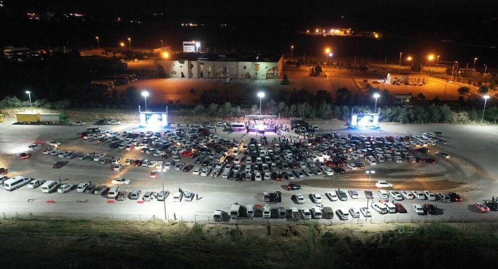 Nevşehir'de arabalı konser