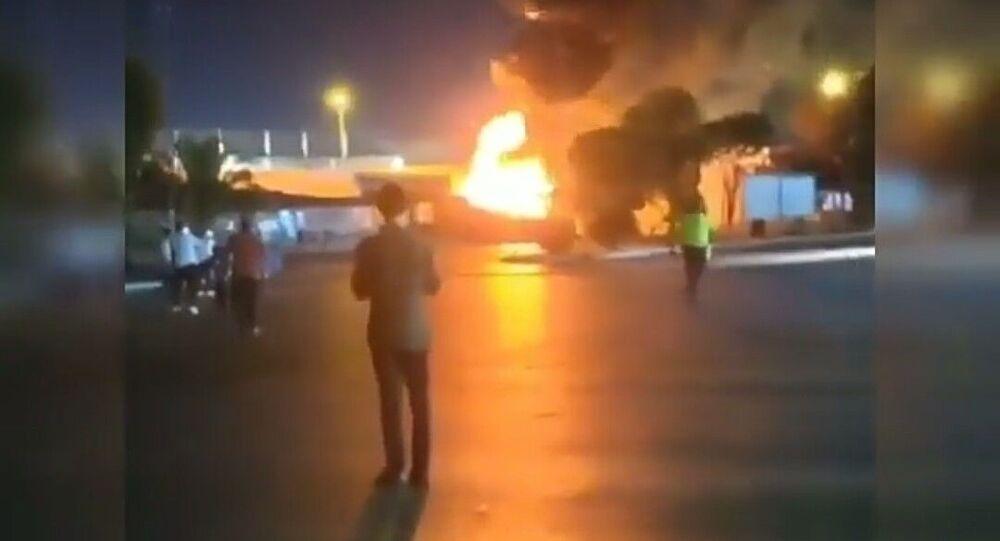 İzmir'de park halindeki yolcu otobüsü yandı