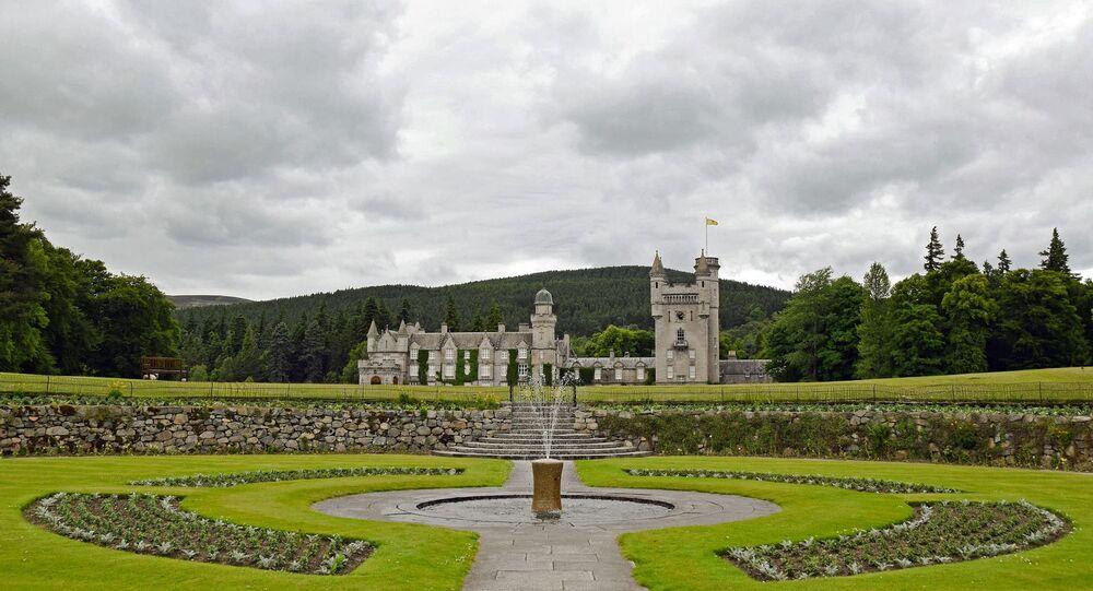 İngiltere Kraliçesi 2. Elizabeth'in İskoçya'daki Balmoral Şatosu